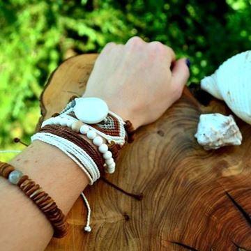 White Coconut resmi